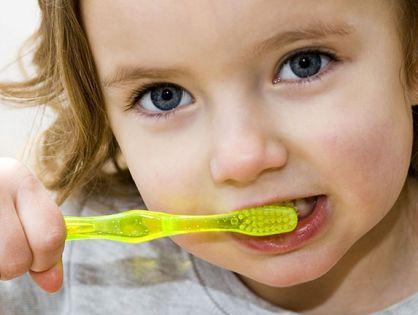 Cómo cuidar la boca y los dientes a lo largo de la vida